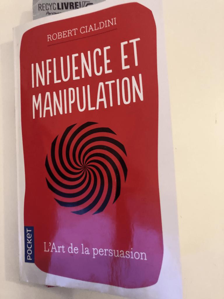Revenus exponentiels avec influence et manipulation avis