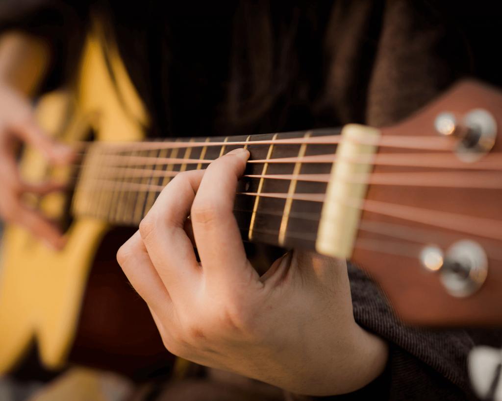 44 Idées de petites entreprises pour gagner sa vie : jouer un instrument de musique