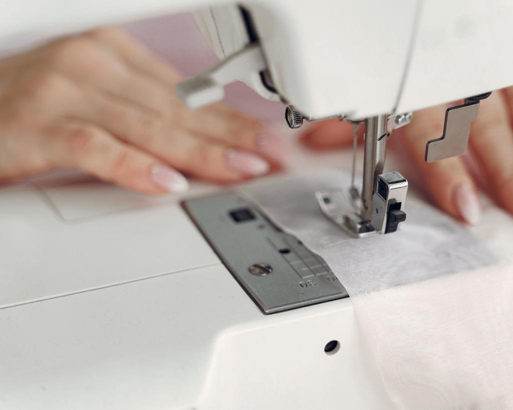 44 Idées de petites entreprises pour gagner sa vie : service de retouche de vêtement